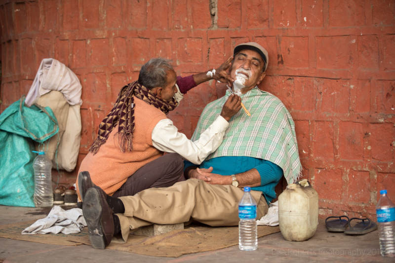Street barber, Agra, Uttar Pradesh, India