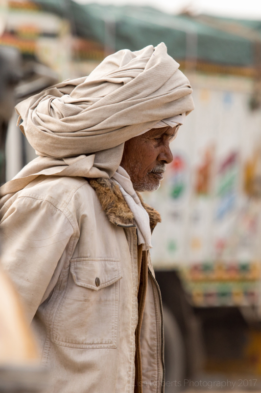 Man in turban, Shopping for fruit, Mathura, Uttar Pradesh, India