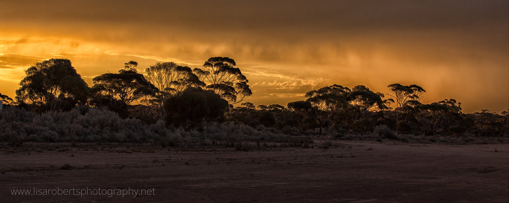 Amazing Sun rays, Balladonia Roadhouse