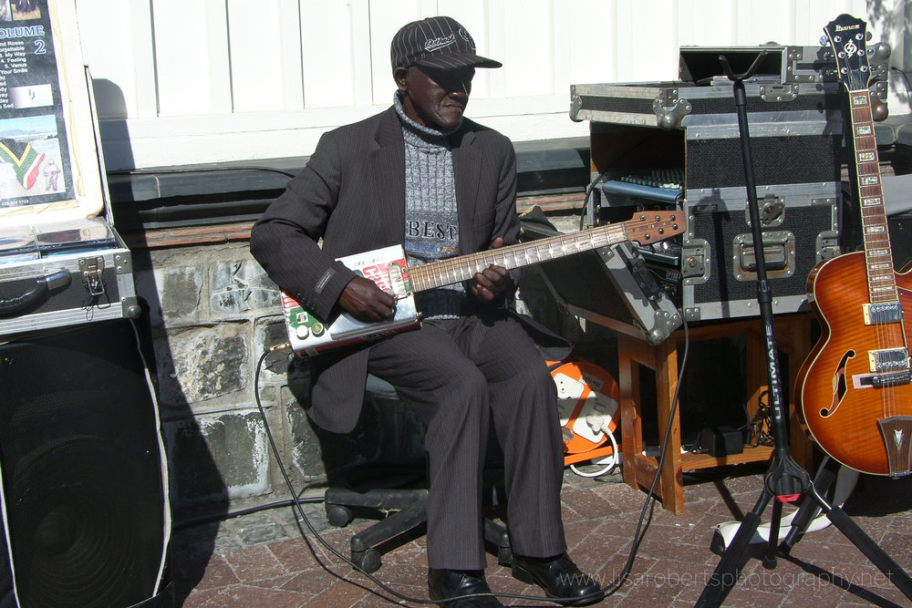 Busker, Cape Town Harbour, Western Cape, South Africa