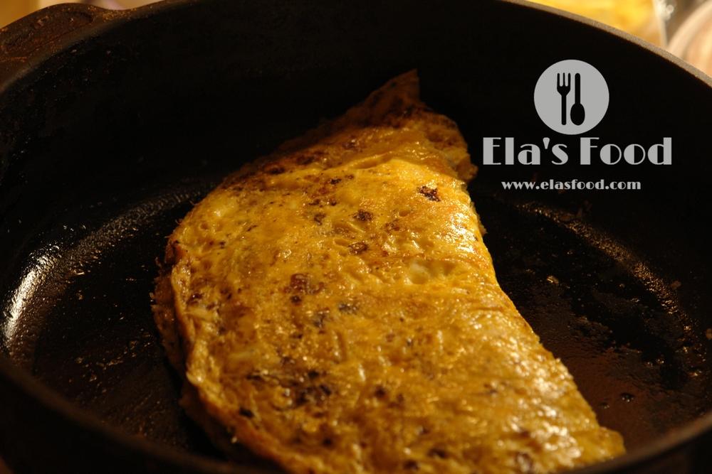 best-mushroom-recipe-omelette-cheese-calzone.JPG