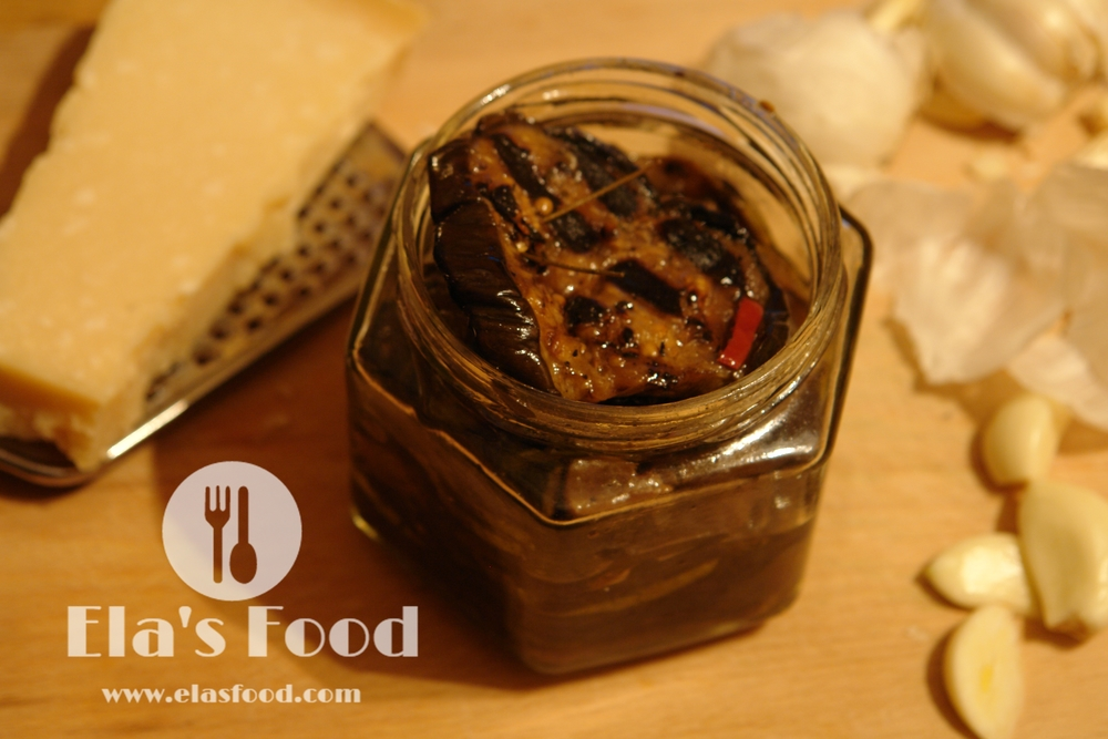 homemade-tagliatelle-pasta-machine-garlic.JPG