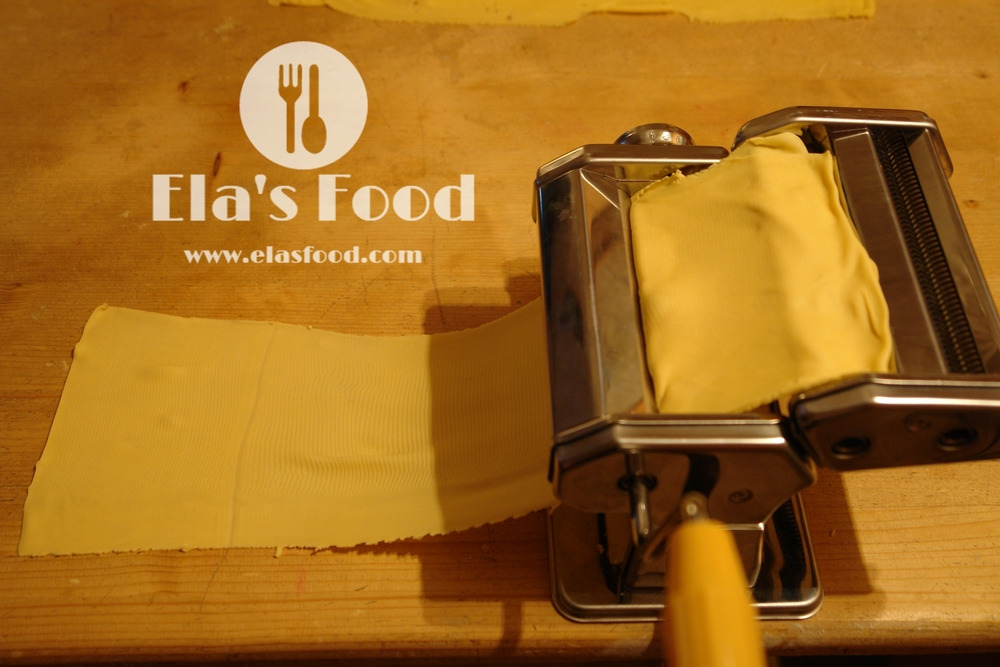 homemade-tagliatelle-pasta-machine-how-to.JPG
