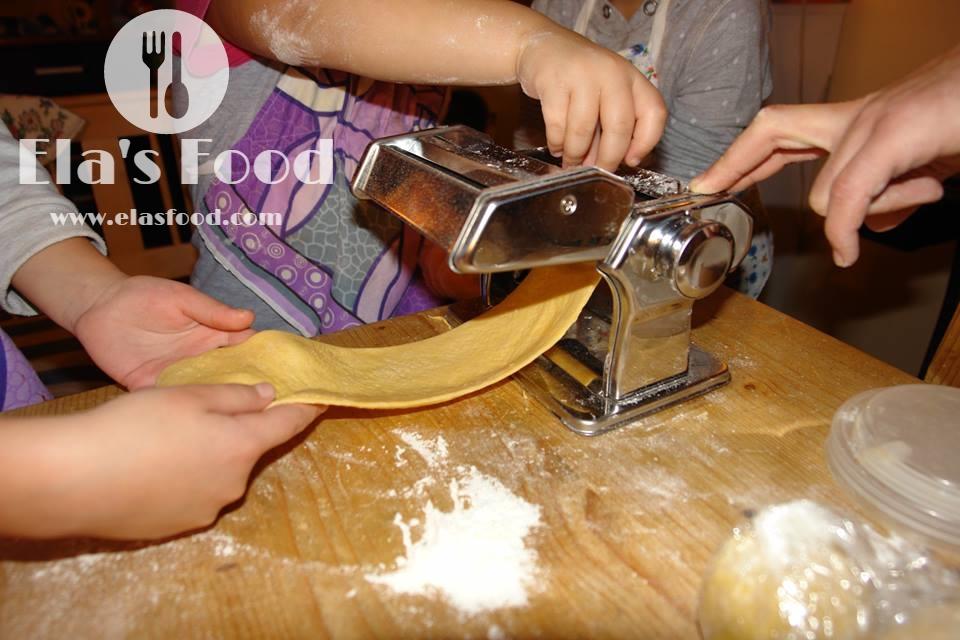 easy-kids-cooking-pasta.jpg