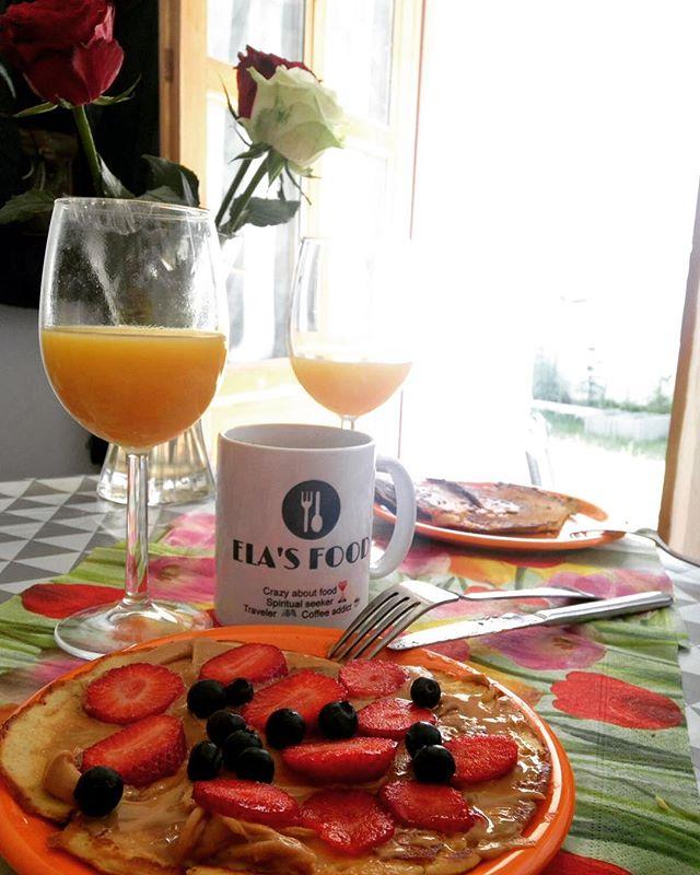 Delicious #vegan pancakes 🥞  Have a beautiful day, everyone!  Xoxo Ela 💋