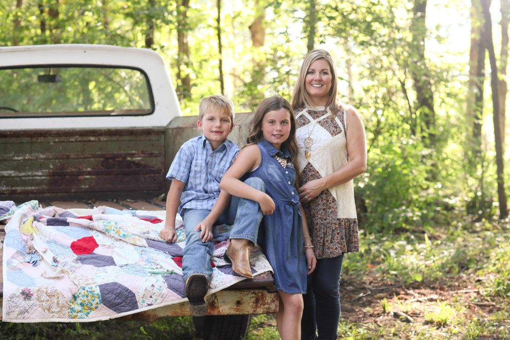 Amanda Cottingham with her childrend Emma Jean and eli. (Photograph by jennifer soots photography)