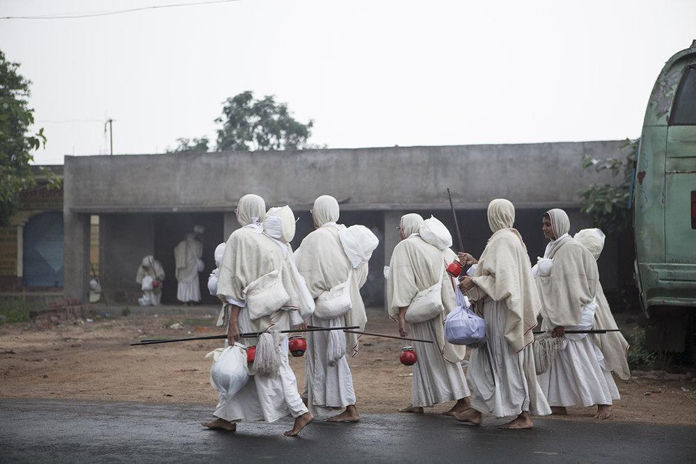 "Swetamber Jain nuns on Vihar Jharkhand | Archival Pigment Ink on Hahnemühle FineArt Photo Rag Paper | 11"" x 16.5"" | 2016"