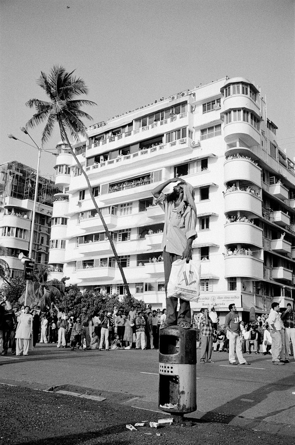 "Spectator at an airshow, Marine Drive Mumbai 2005 | Archival pigment print | 35"" x 24"""