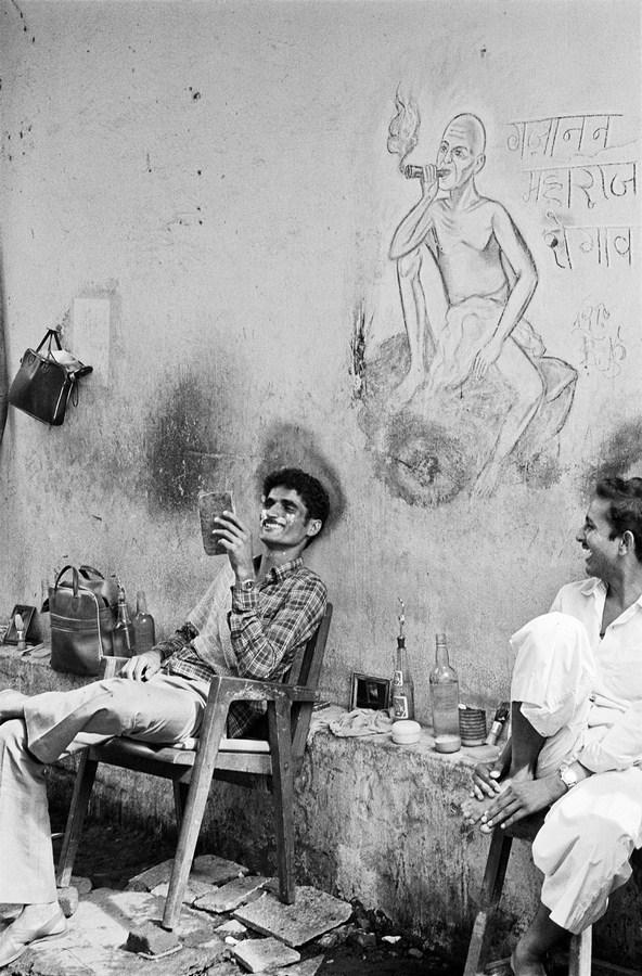 "Gajanan Maharaj Bombay 1987 | Archival pigment print | 35"" x 24"""