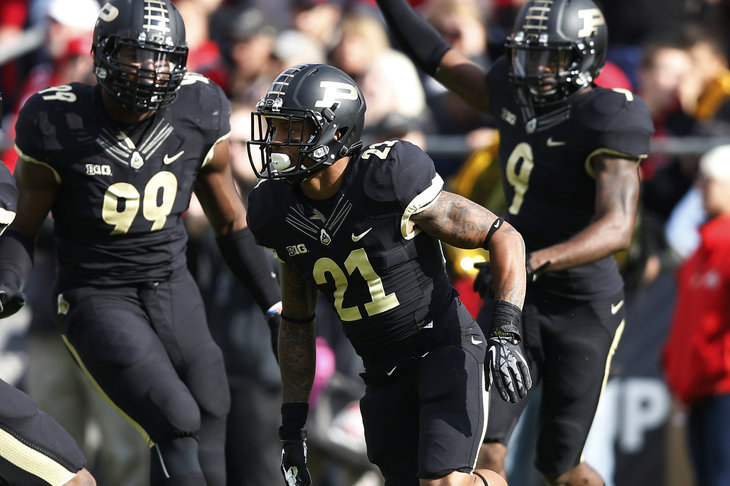 Purdue-football-all-black-unis.jpg