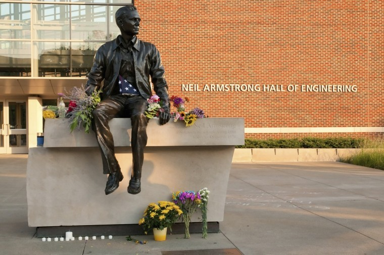Neil-Armstrong-hall-of-eng.jpg