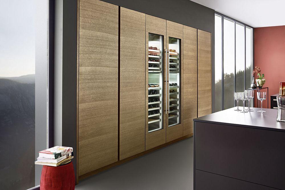 Contour Kitchens Cheltenham - Oak and Bondi door