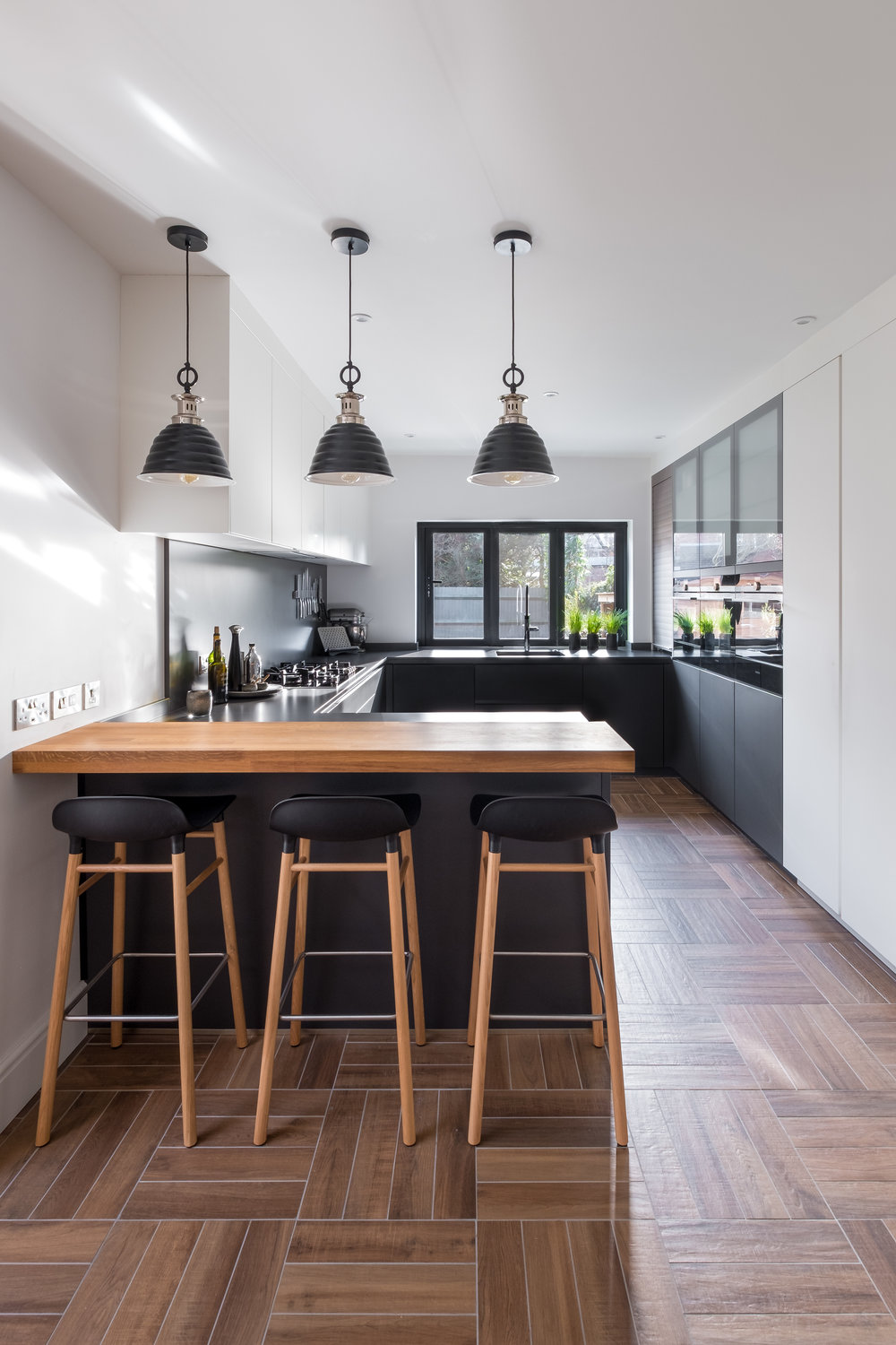The Contour Studio Is Located In Montpellier Cheltenham And Houses A  Contemporary Collection Of Leicht Kitchens That Showcase The Very Best Of  German ...