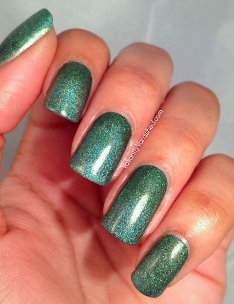 31DC-Day4-Green-Nails-Pic1.jpg