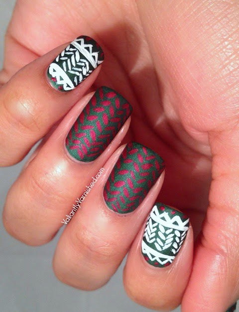 Holiday-Sweater-Nail-Art-Pic1.jpg