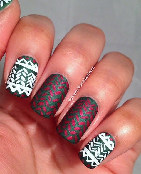 Holiday-Sweater-Nail-Art-Pic2.jpg