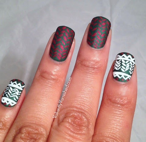 Holiday-Sweater-Nail-Art-Pic3.jpg