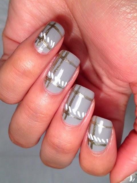 Minimalist-Plaid-Nail-Art-Pic3.jpg