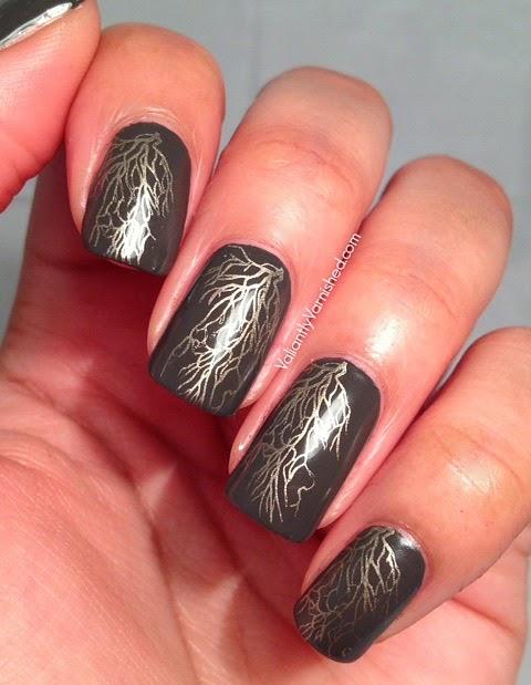 Golden-Vine-Nail-Art-Pic1.jpg