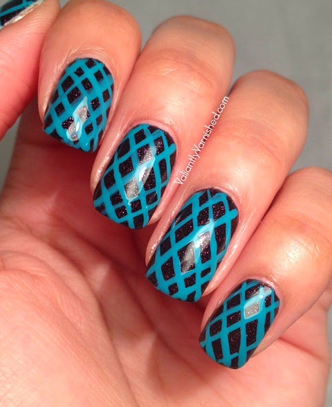 Geometric-Teal-Nail-Art-Pic1.jpg