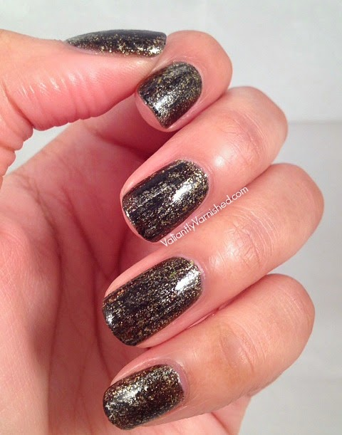 31DC-Day17-Glitter-Nails-Pic1.jpg
