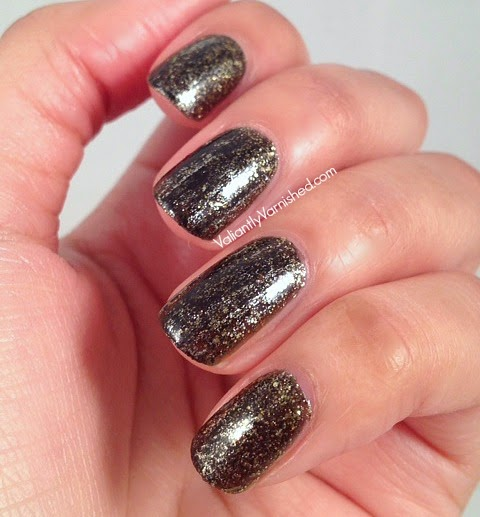 31DC-Day-17-Glitter-Nails-Pic4.jpg