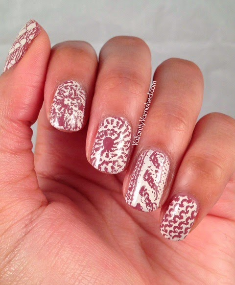 31DC-Day15-Delicate-Nails-Pic1.jpg