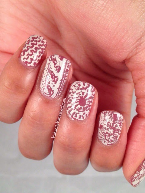 31DC-Day15-Delicate-Nails-Pic2.jpg