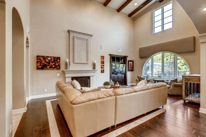 7923 High Time Ridge San Diego-small-006-6-Living Room-666x444-72dpi.jpg