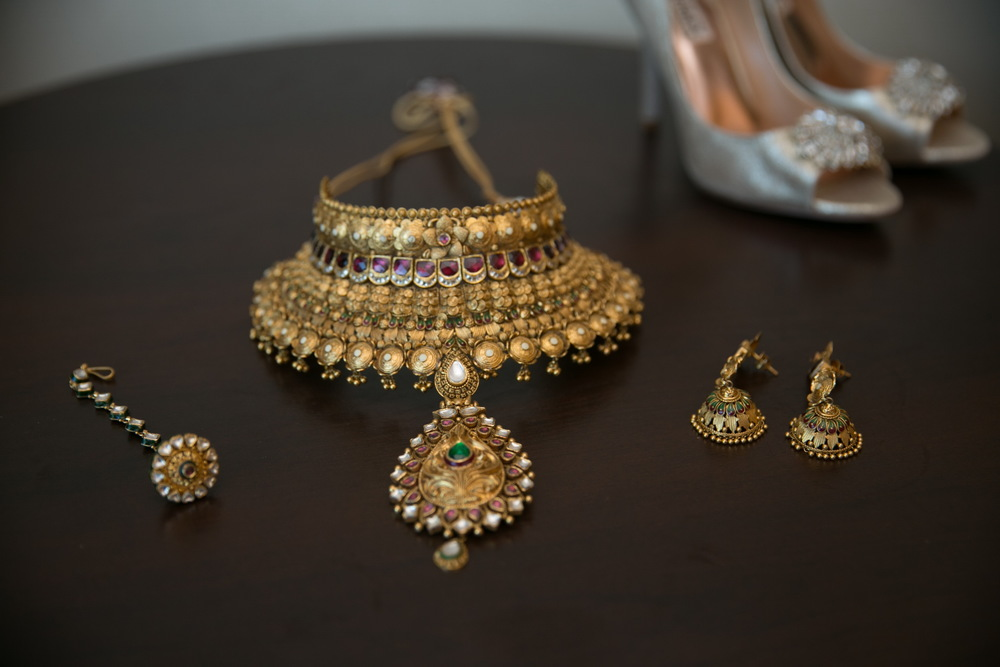 Gallery-Necklace and earrings.jpg