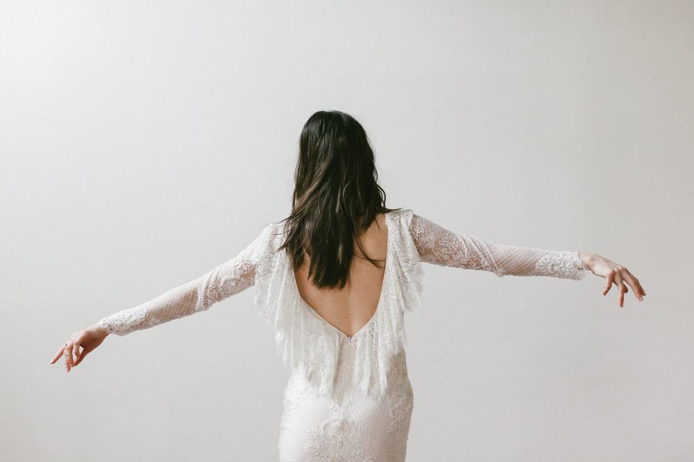 finery-boutique-huntsivlle-alabama-bohemian-wedding-shop-odylyne-the-ceremony-yolan-cris-bride-bridal-yaki-ravid-berta-calla-blanche-lookbook-cool-nashville-tenessee-flutter-open-back