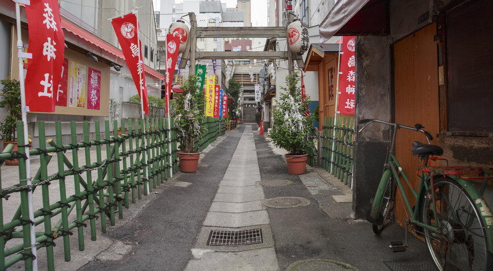 narrow-street.jpg
