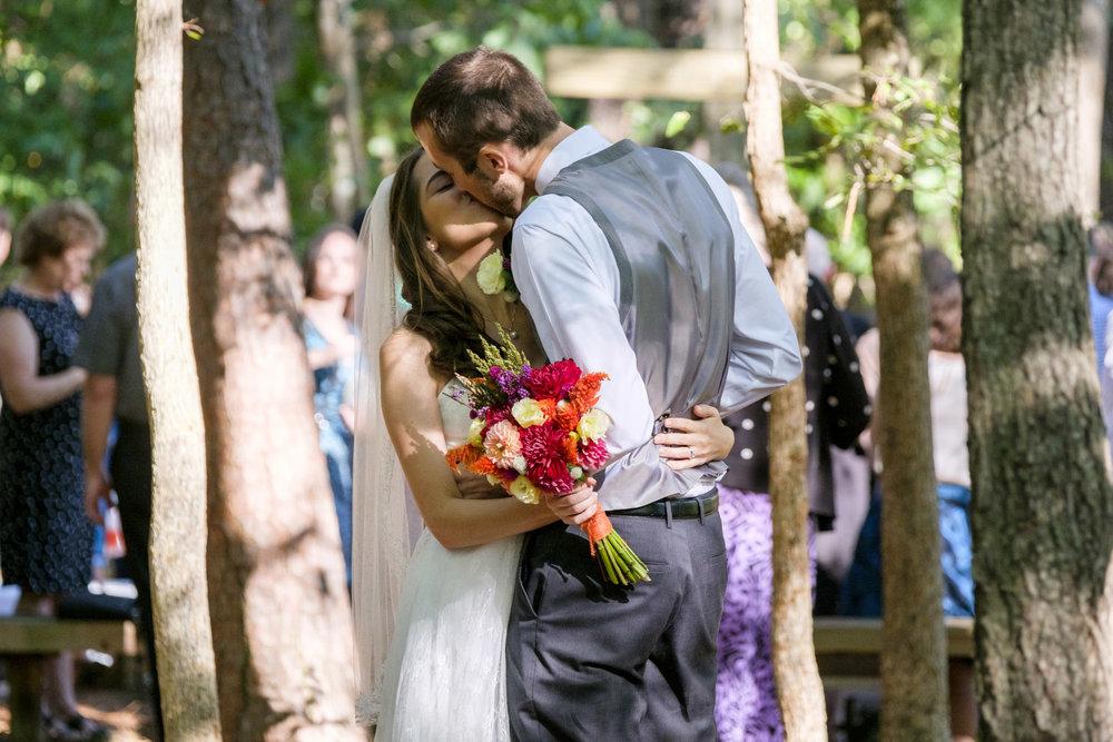 chapel-hill-wedding-photography-kiss.jpg