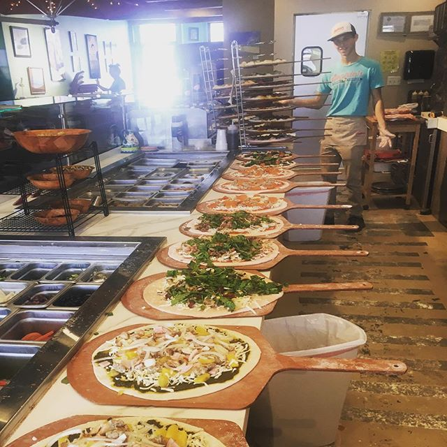 Support local! A mondo order for our friends at @wyndhamhotels (Wyndham at Waikiki). We love supporting our friends in a hawaii, and we love when our friends support local small biz! We give the gift of pizza. Life's too short to eat boring pizza. Come in and see our aloha! We will be happy to make a big batch for your next event! - See you soon! — #pizza🍕 #pizzalover #pizzaparty #pizzaislife #honolulueats #comfortfood #hawaiilife #luckyweliveinhawaii #sophiespizzeria #hawaiieats #igfoodie #supportsmallbiz #smallbiz #buylocal #supportlocal #hawaiikai
