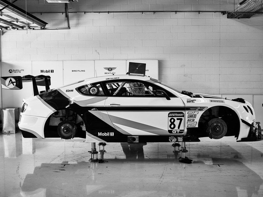CF042885..racing.jpg