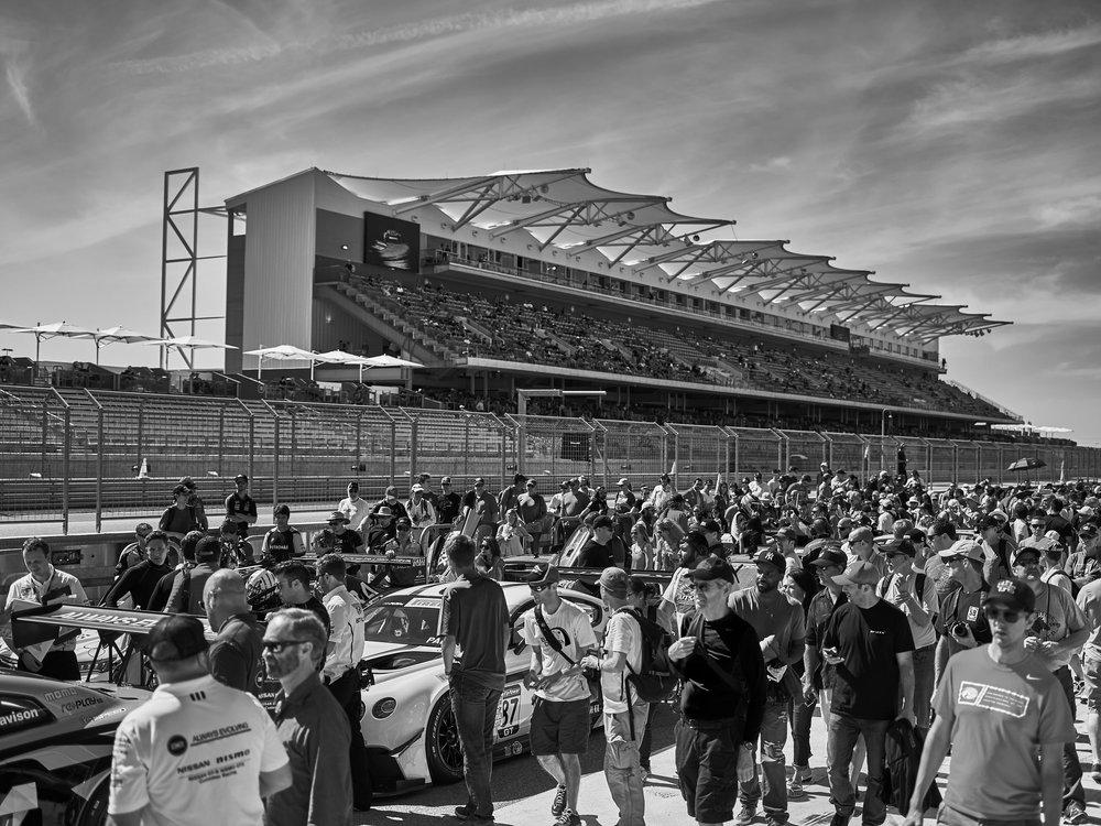 CF043090..racing.jpg