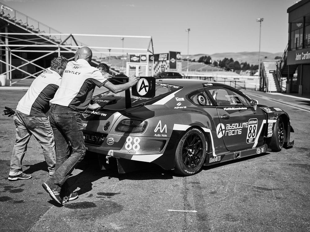 CF072779..racing.jpg
