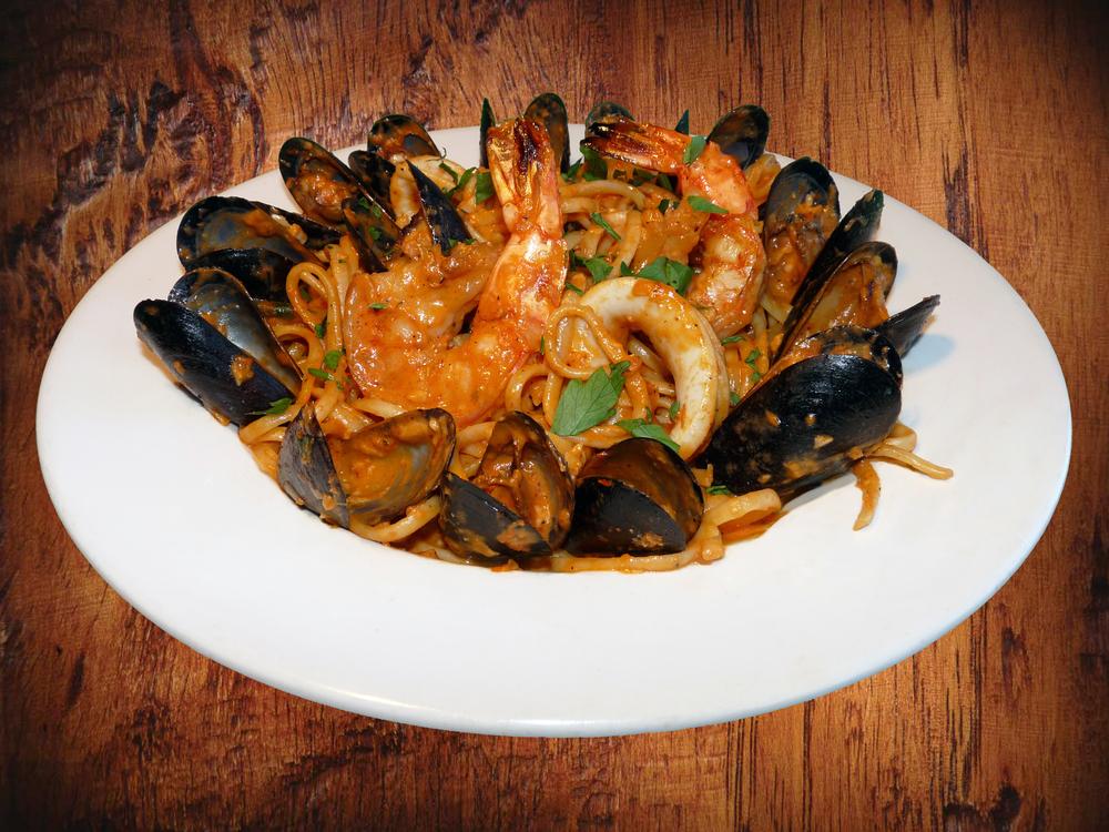 Linguini Misto di Mare (Seafood Linguini)
