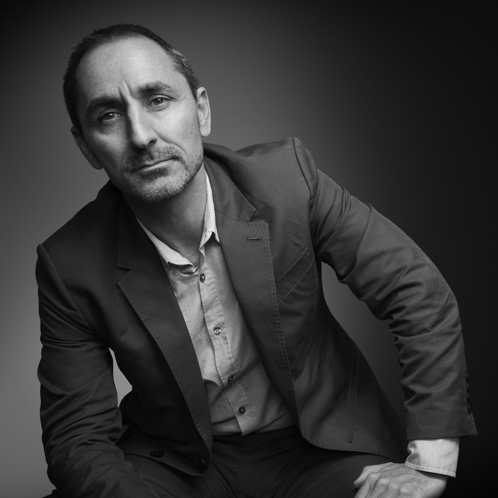 "david droga - Droga launched his career by winning top student honors at the Australian Writers & Art Directors School. In 1996, he took up the position of ECD of Saatchi & Saatchi Singapore and later Regional CD of Saatchi Asia, before being promoted to Executive Creative Director of Saatchi & Saatchi London at age 29. In 2003, Droga moved to New York City as the first ever Worldwide Chief Creative Officer of the Publicis Network, helping it to a business renaissance around the world. In 2006, Droga decided to start his own agency and launched Droga5, now wildly successful, headquartered in New York City with offices in London and Sydney. To date, Droga is the single-most awarded creative at the Cannes International Advertising Festival. Aside from countless other achievements, he is also the youngest person ever to be inducted into the New York Art Directors Club ""Hall of Fame."""