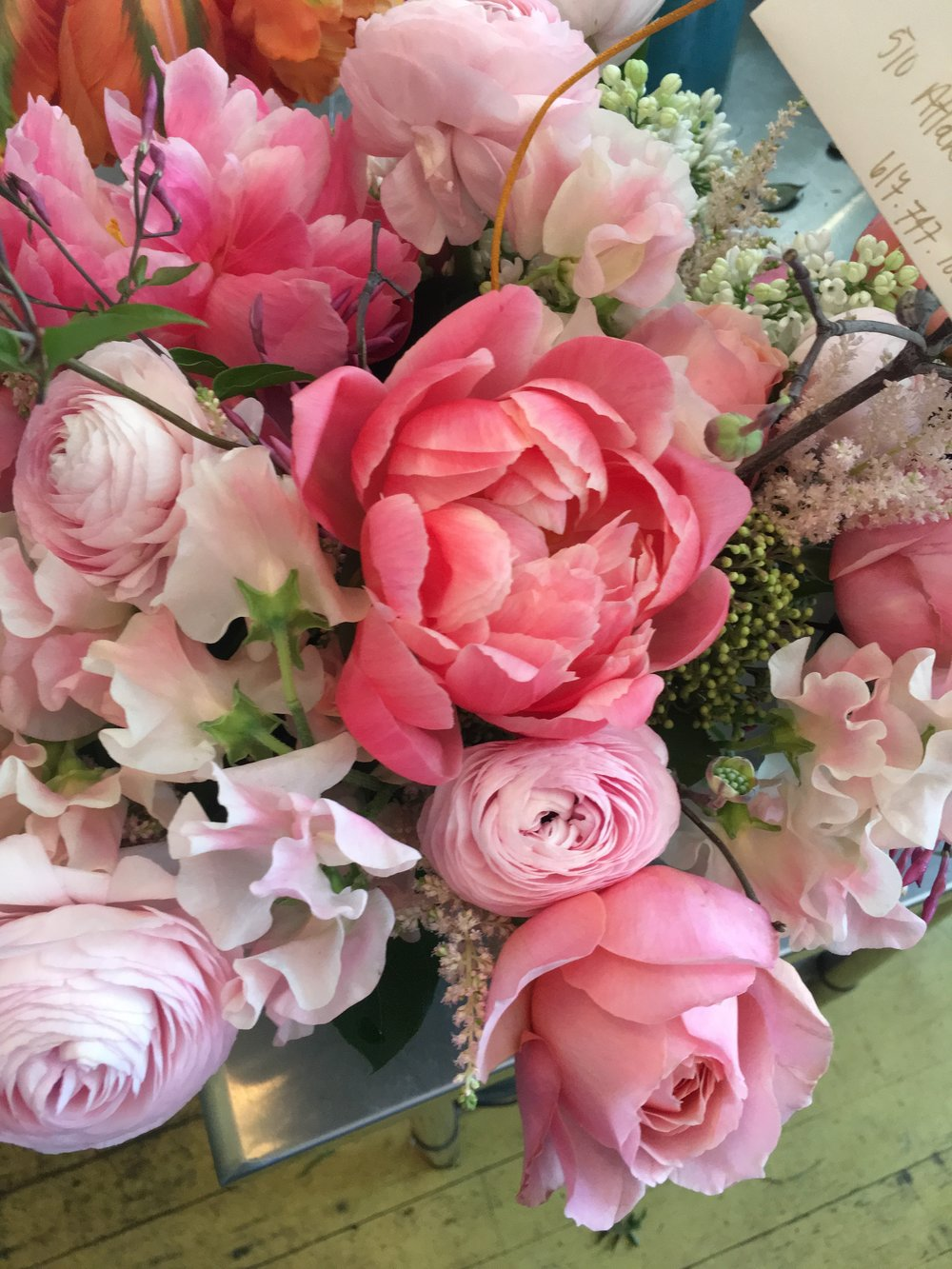 Bow Street Flowers Lilacs Roses Peonies Ranunculus For Mothers