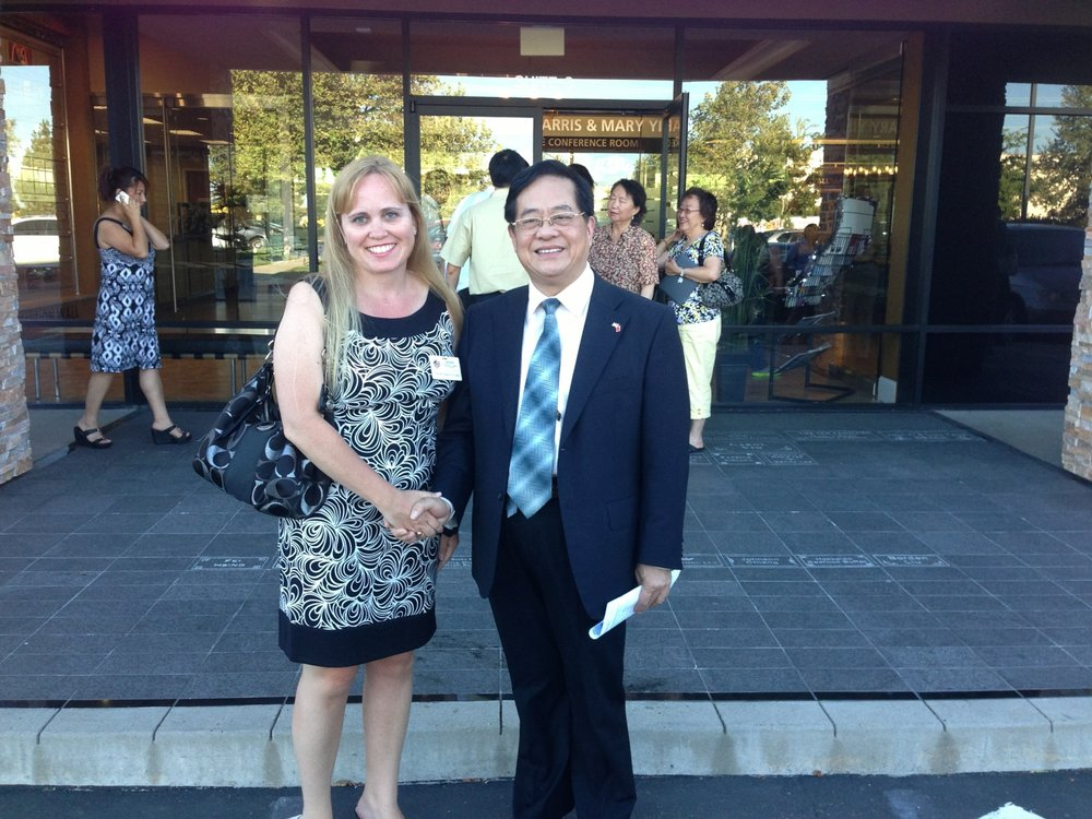 Charlotte Danielsson with Chinese Consul General after meeting about improving relations with China