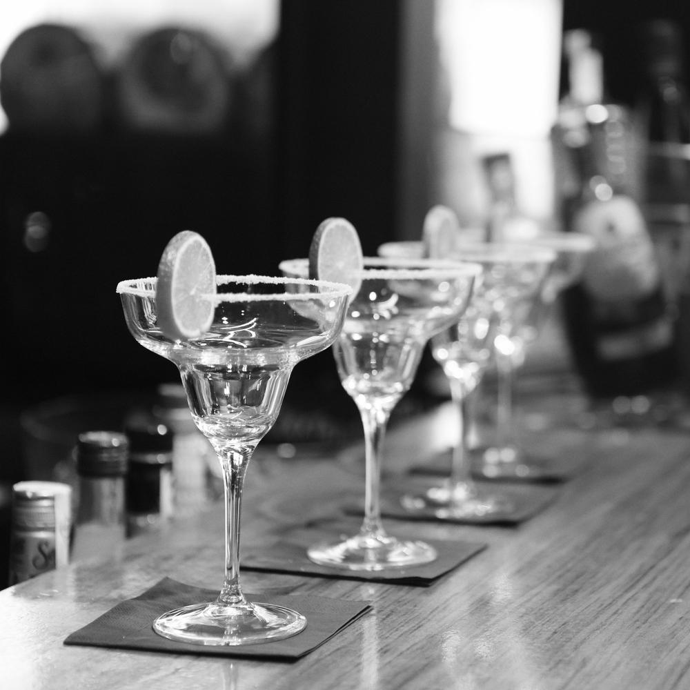 black-and-white-alcohol-bar-drinks.jpg