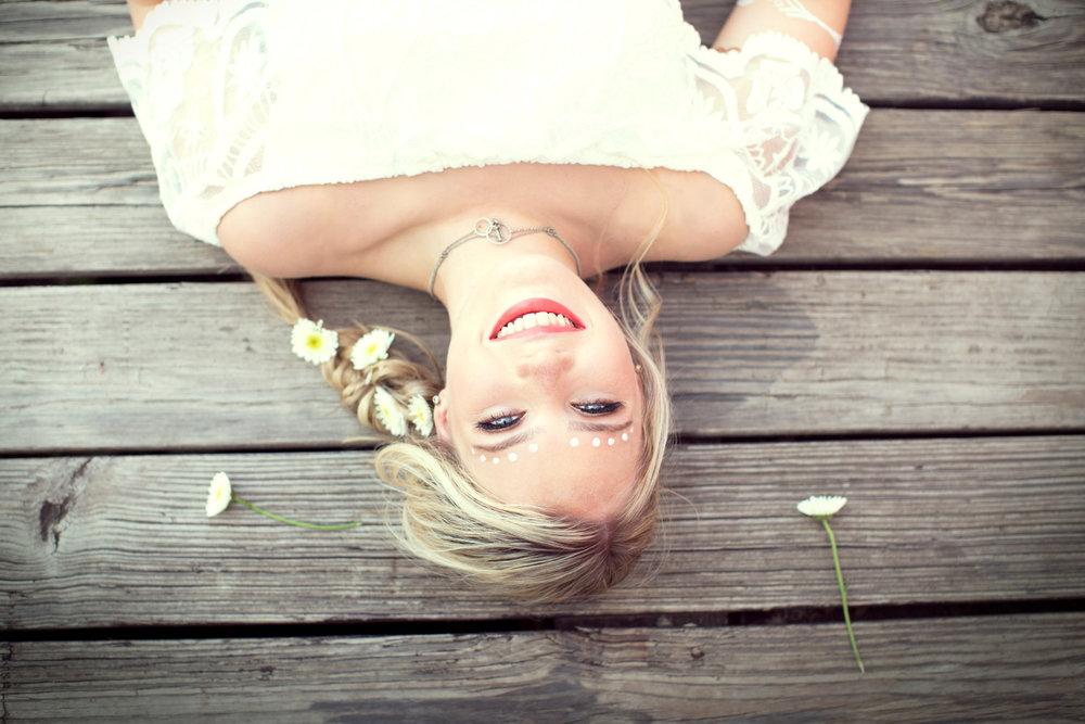 caraoline-roman-blonde-2.jpg