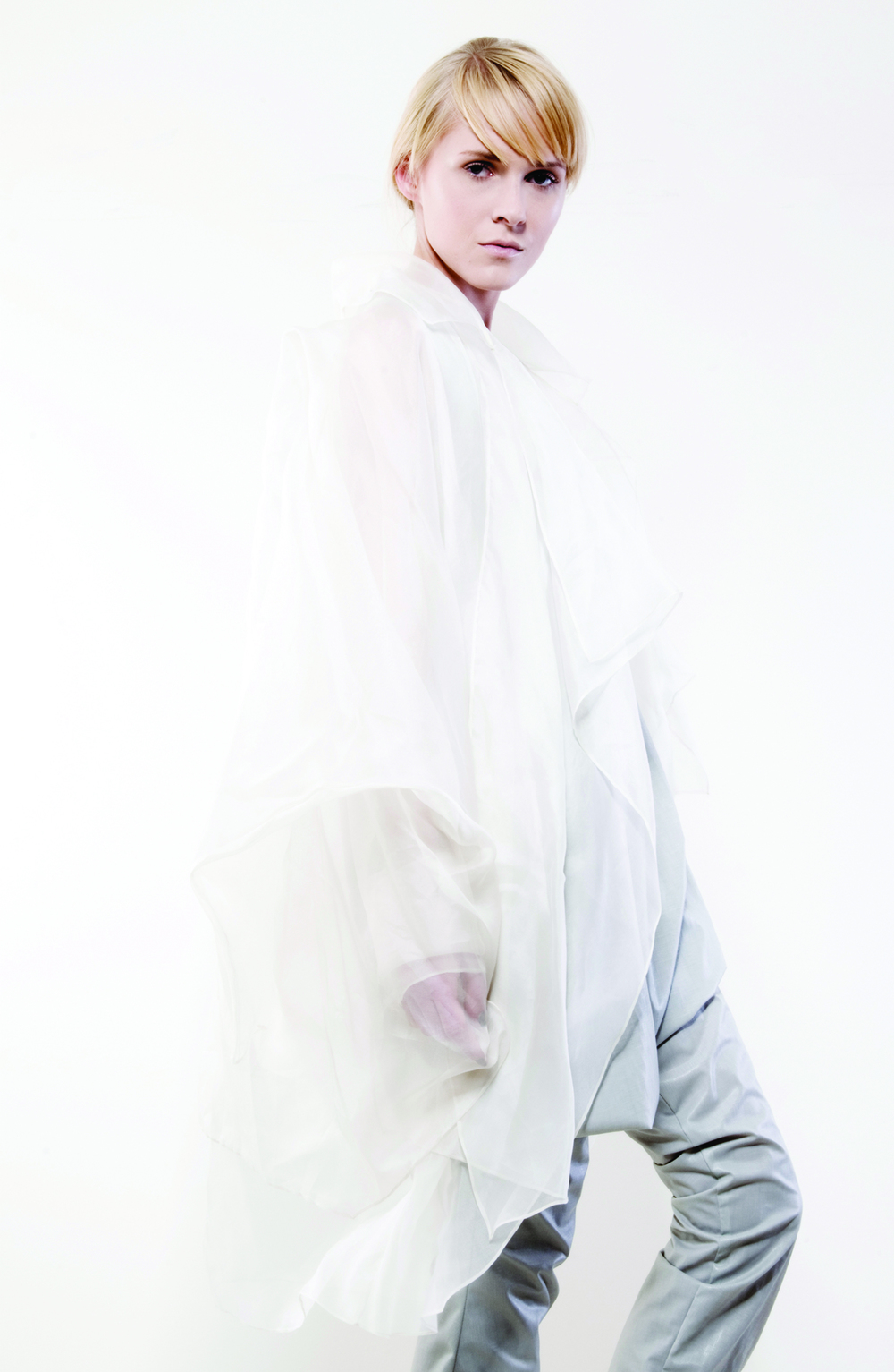 outfit-4b-Gravity-and-Levitation-Spring-Summer-Collection-Isabel-Wong-White-silke-organza-jacket.jpg