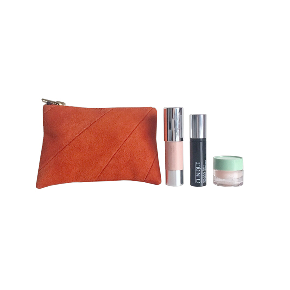LUXURY TRAVEL SET  September 2017 Winner Kelly Peacock