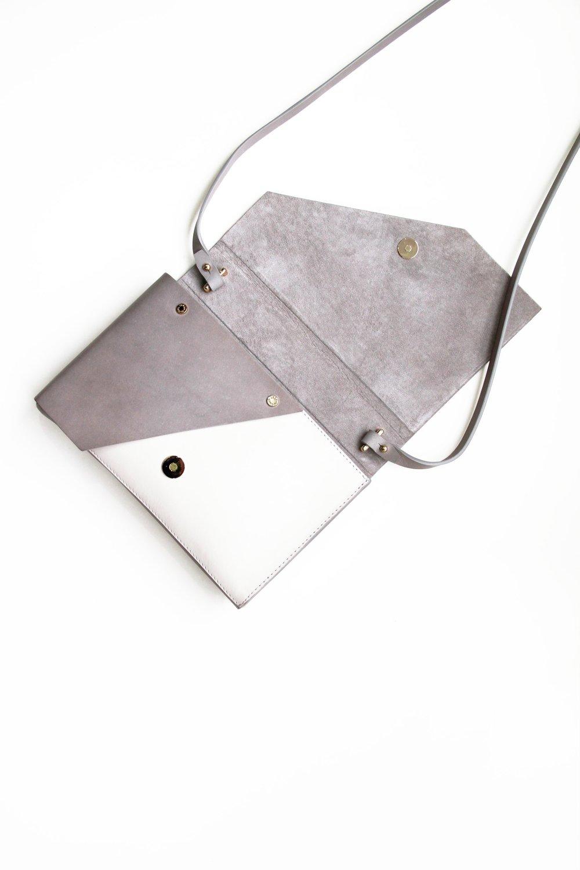 Evo Leather Clutch grey open 2 -Urban Travel x Isabel Wong V2.jpg