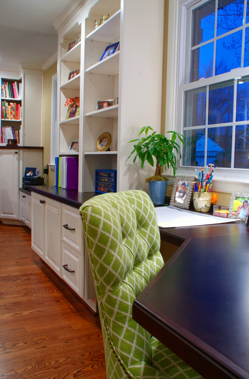 The open study area that sits directly off the kitchen.