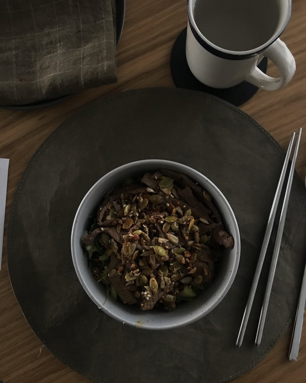stir fried beef w garlic toasted seed mix