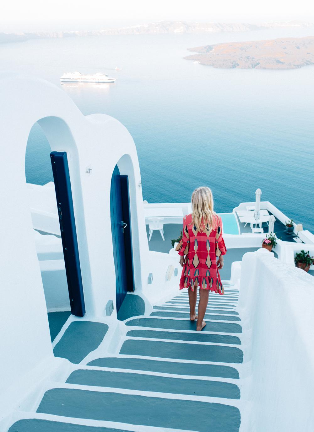 Chromata Hotel. Dress: Mister Zimi