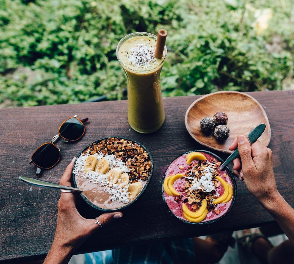 Smoothie bowls at Shaka Bowls (Vegan ring:YCL jewels)